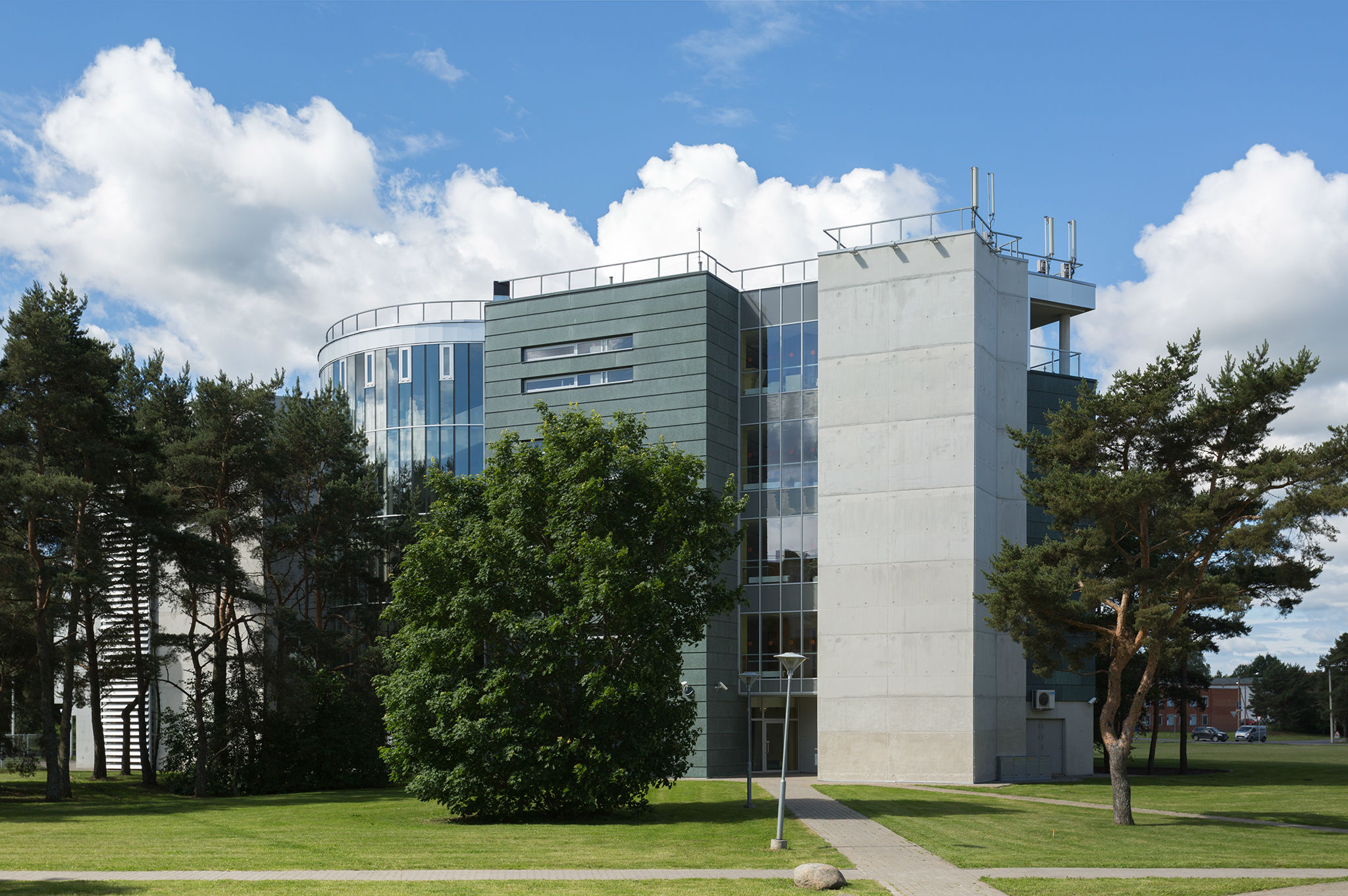 ESTONIAN INFORMATION TECHNOLOGY COLLEGE