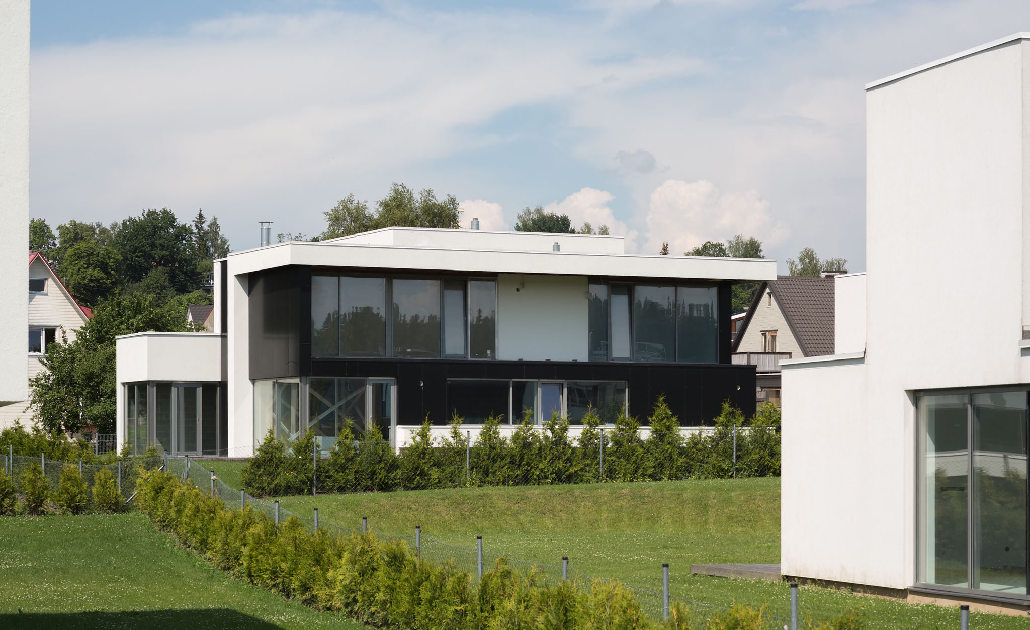 HOUSING AREA WITH 13 PRIVATE RESIDENCES IN VILJANDI